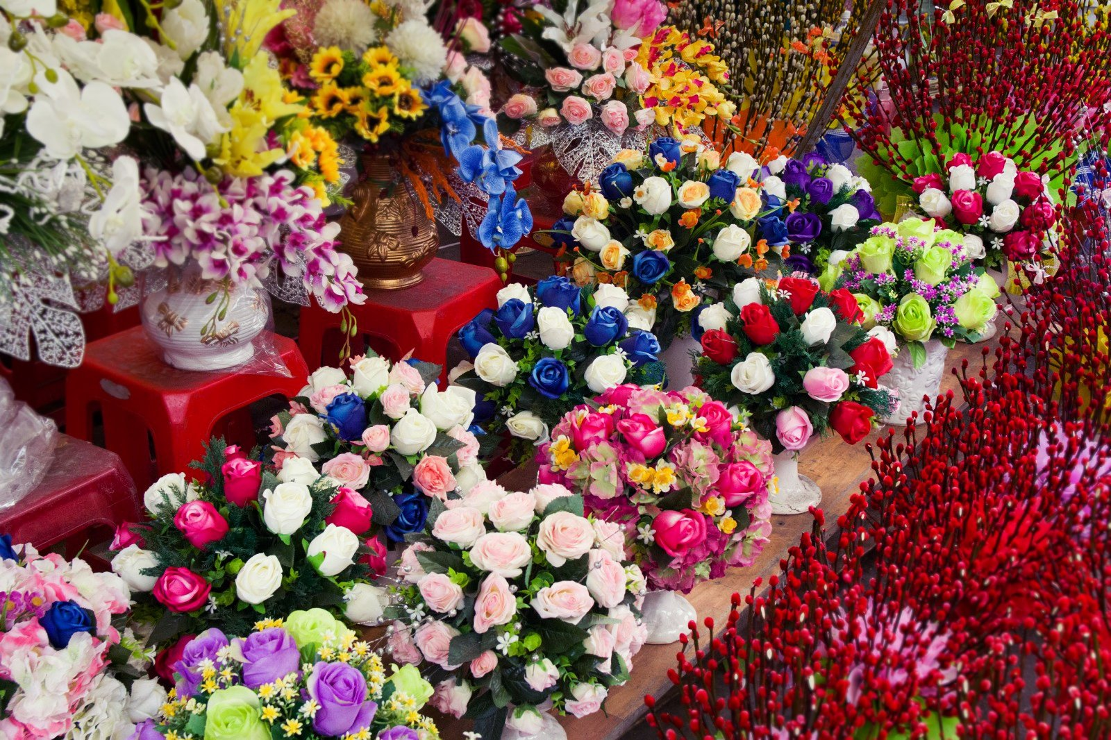 Binh Dong Floating Flower Market.The Complete Guide To Ho Thi Ky Flower Market In Saigon The