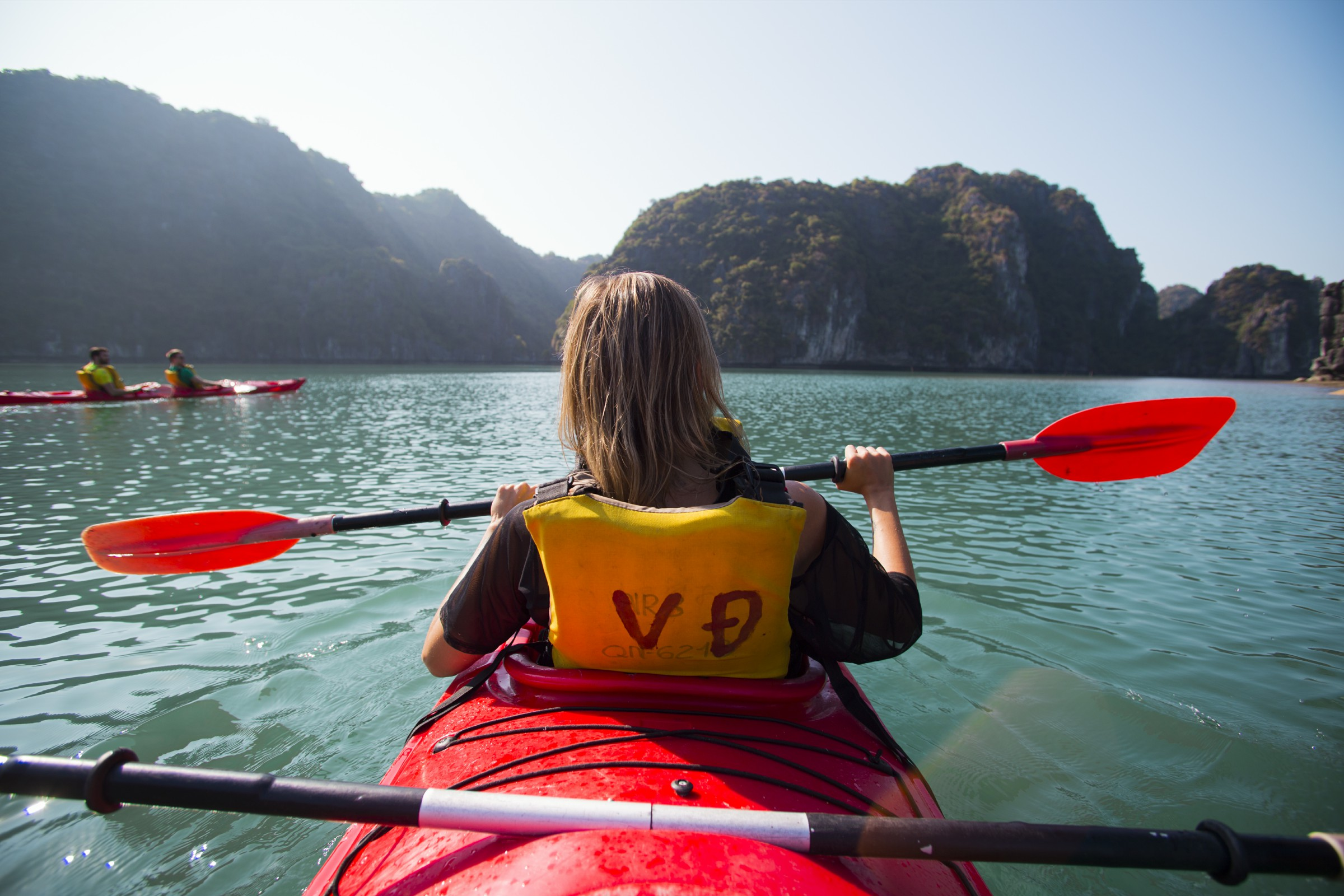 ha long bay tours kayaking