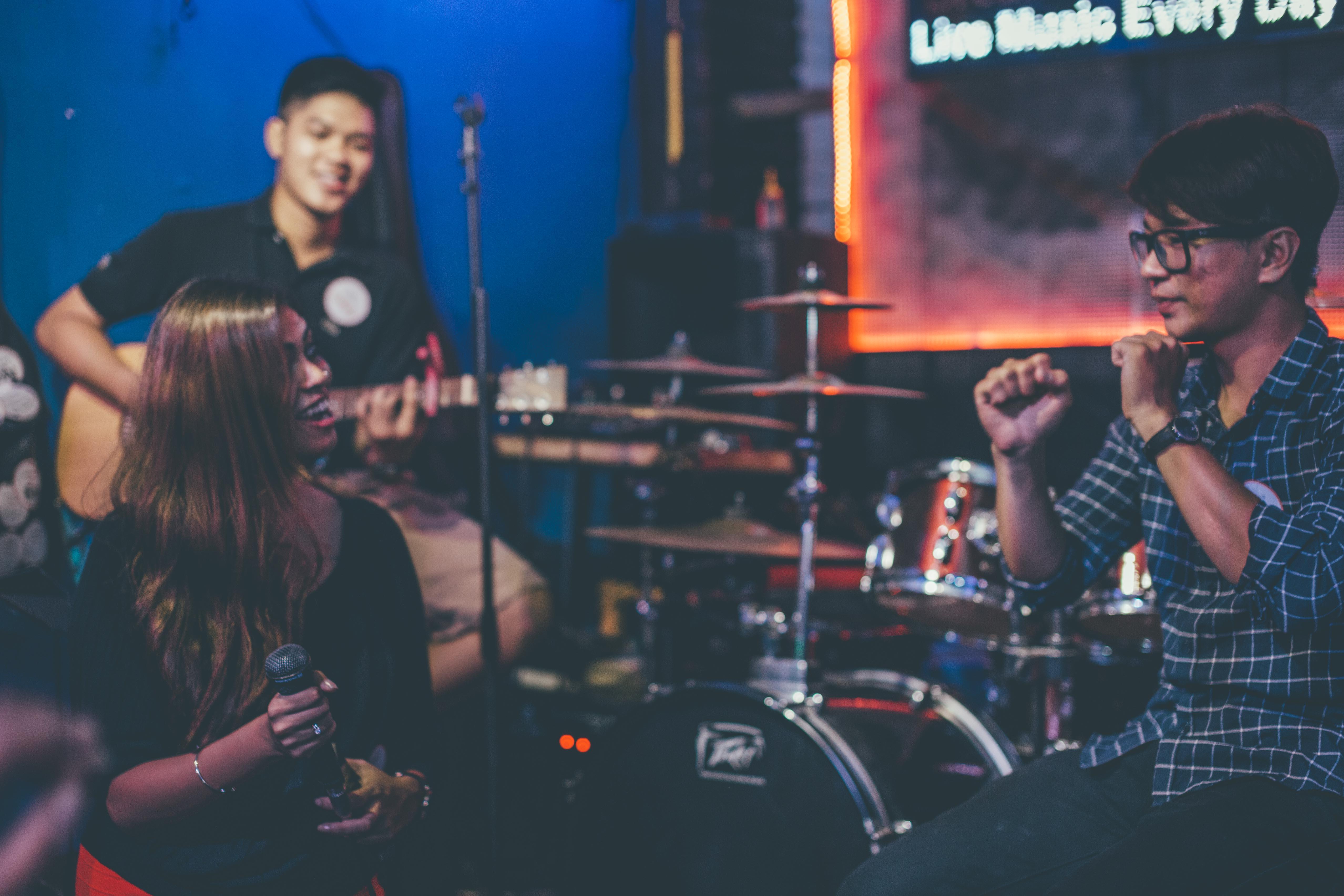 live music siagon acoustic bar