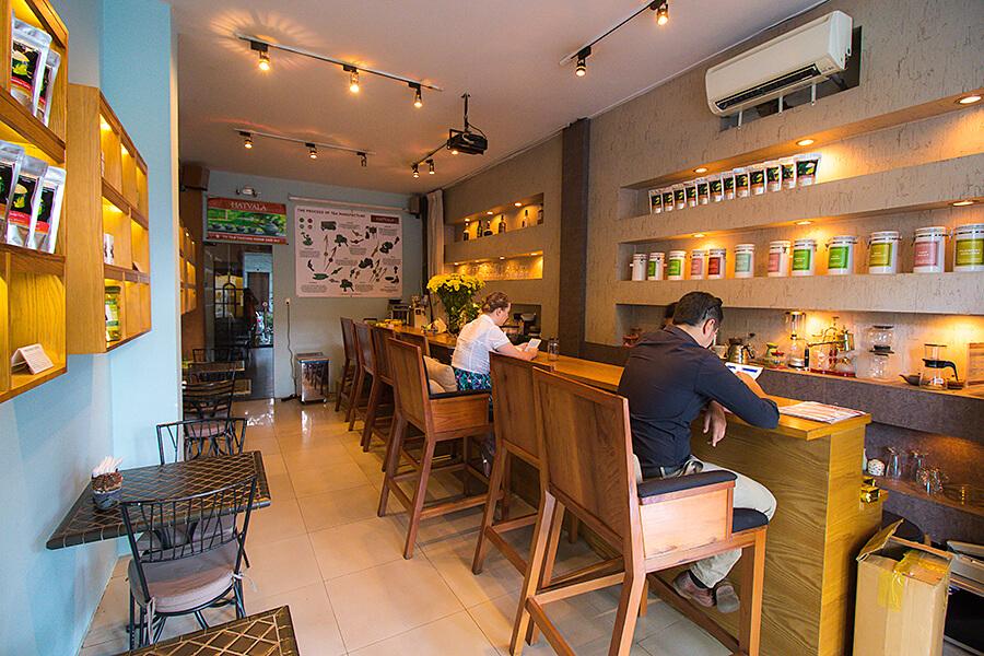 cafes near ben thanh market restaurants