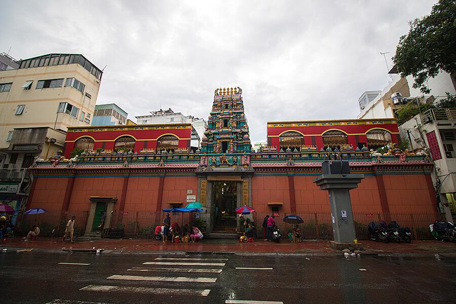 walk around ben thanh market itinerary