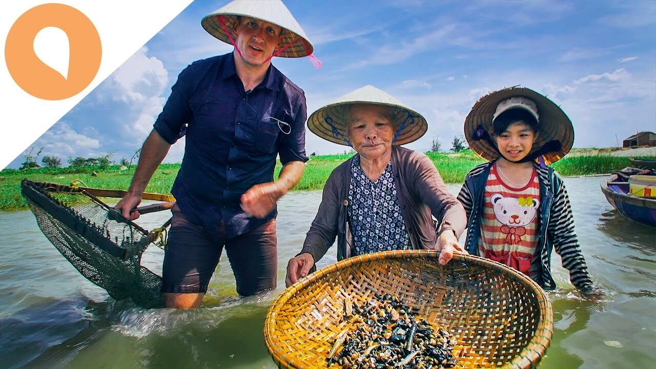Clam Digging And Clam Food: Beautiful Cultural Traits of Hoi An, Vietnam - The Christina's Blog