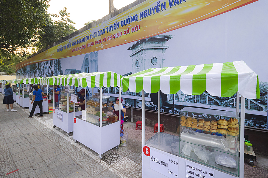 A New Food Street in Saigon - Nguyen Van Chiem Street - The Christina's Blog