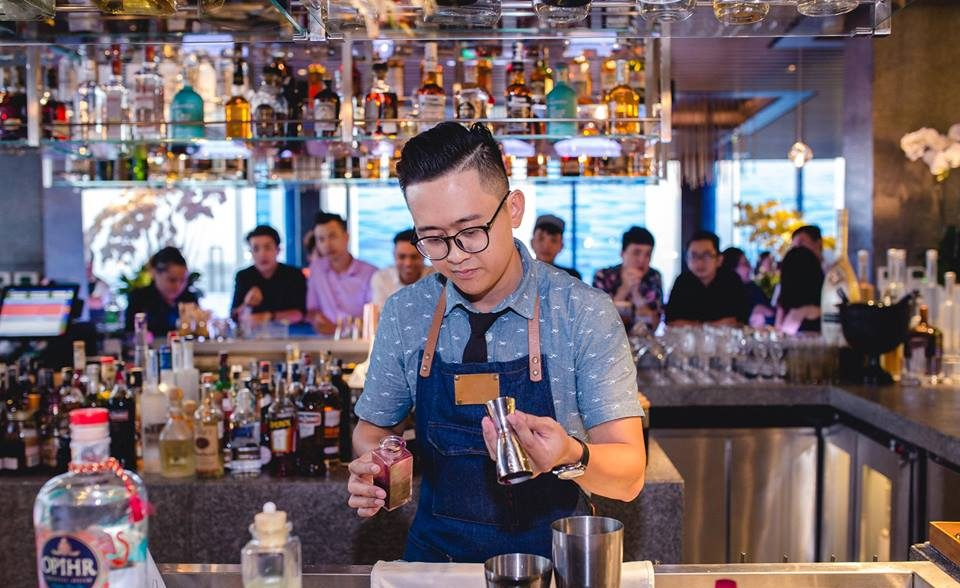 Phuc Le Bartender best bars in ho chi minh
