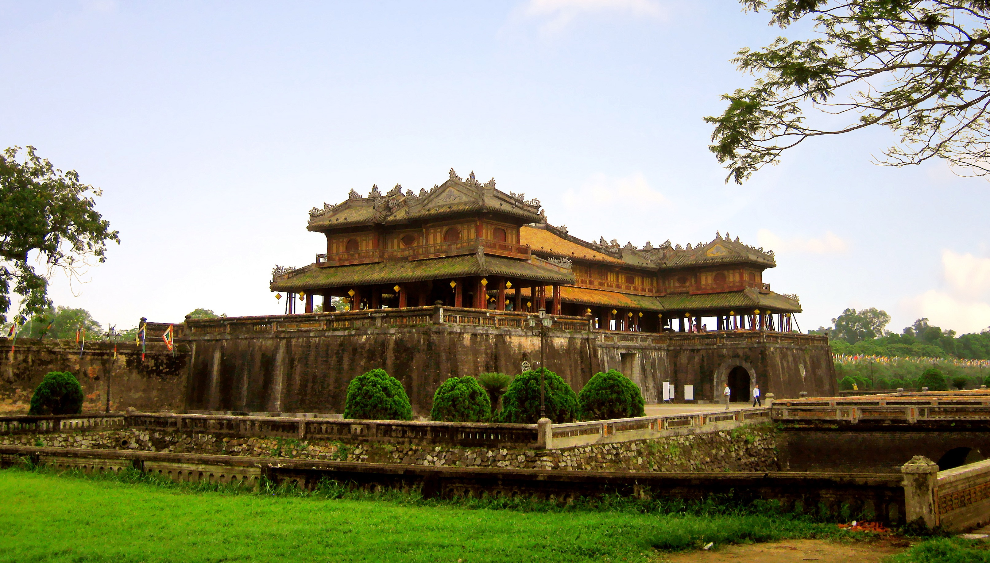 where to stay in hue, vietnam