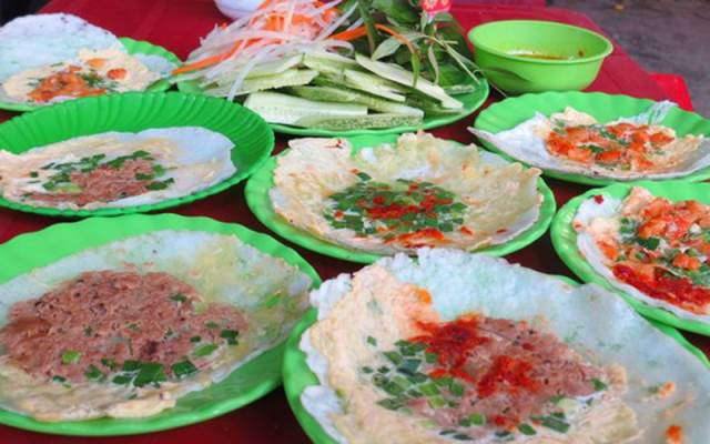 best food to eat in hue vietnam