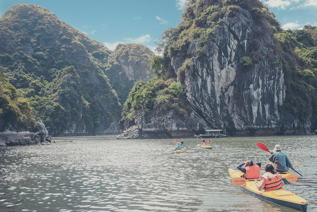 Private tour to Ha Long Bay