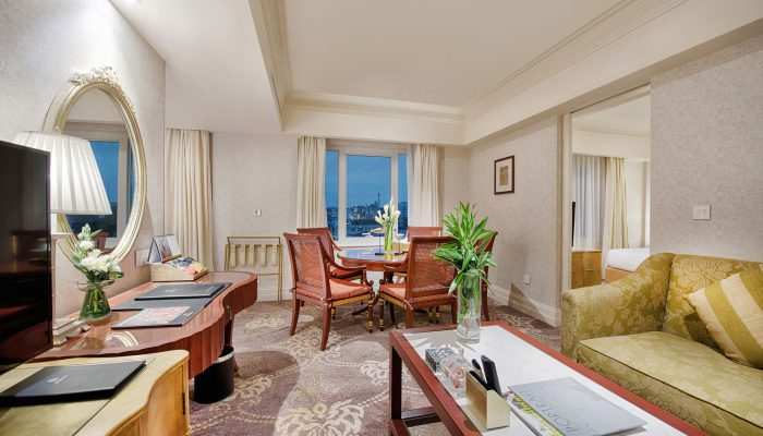 luxury hotels in hanoi