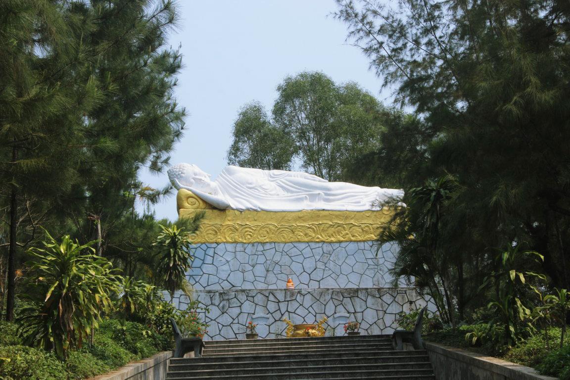 huyen-lam- hue pagoda