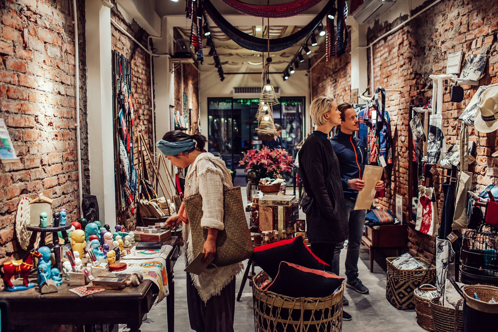 Guide to Shopping in Hanoi Collective memory