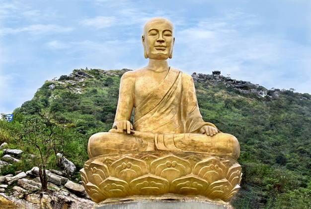 Hue-phat-hoang-tran-nhan-tong pagodas of hue