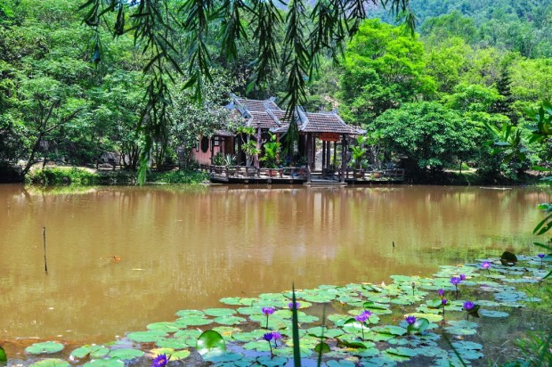 huyen-khong-son-thuong-pagoda-hue