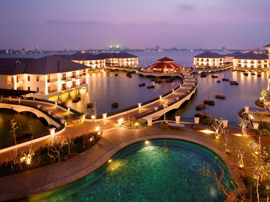 accommodation west lake hanoi