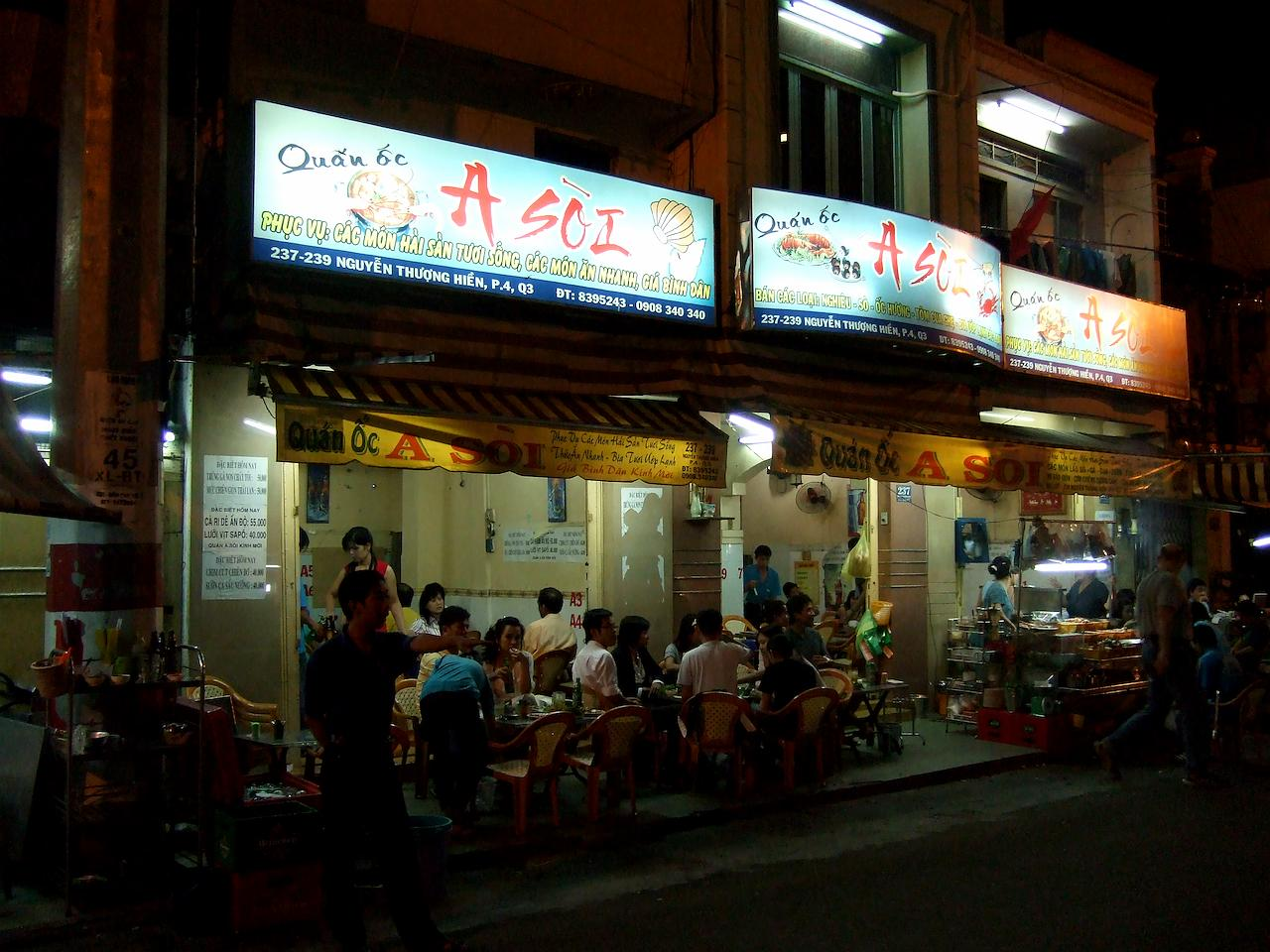 late night street food tour in ho chi minh city