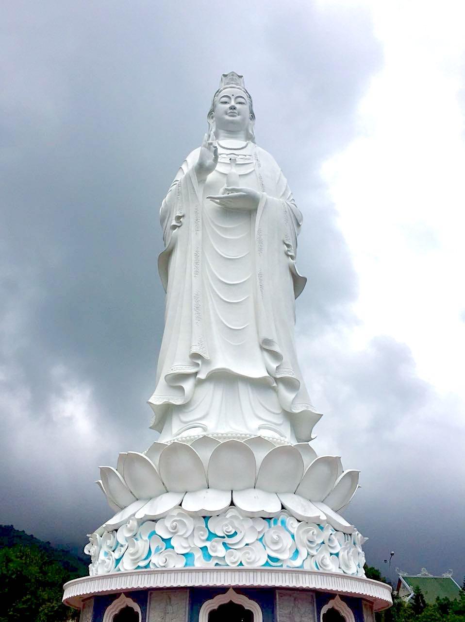 da-nang-linh-ung-pagoda