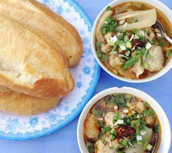 banh-mi-xiu-mai where to eat breakfast in da lat