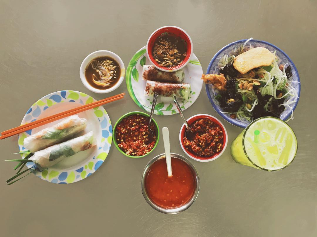 oldest food stalls in saigon