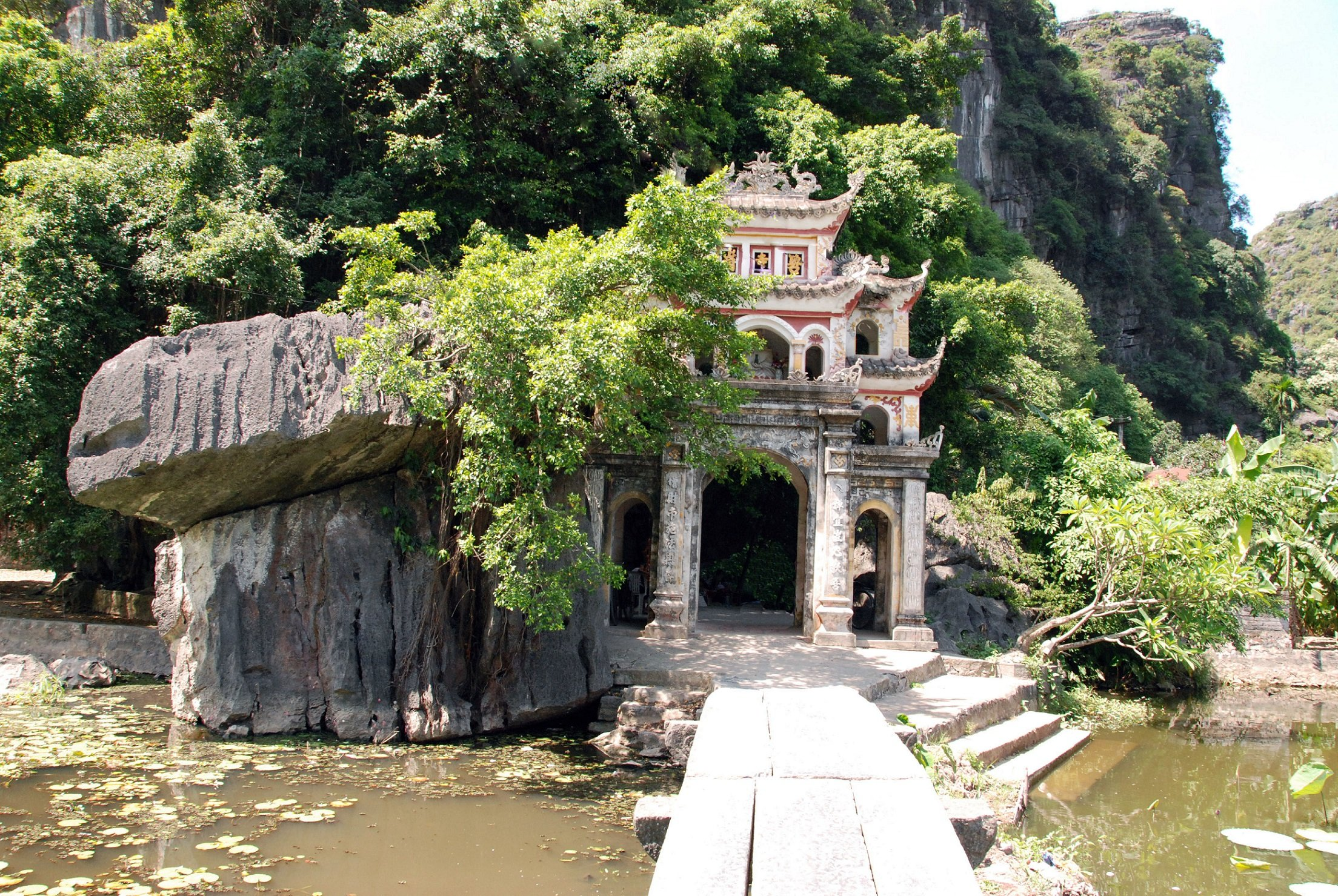 what to do in ninh binh bich dong pagoda