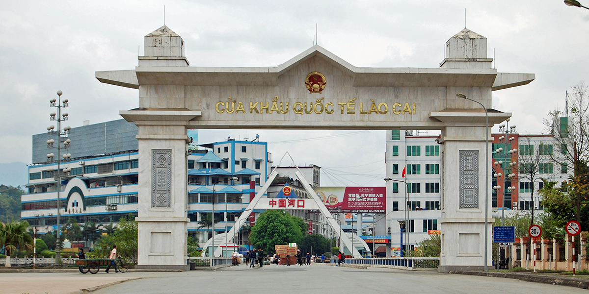 lao cai to hekou border crossing