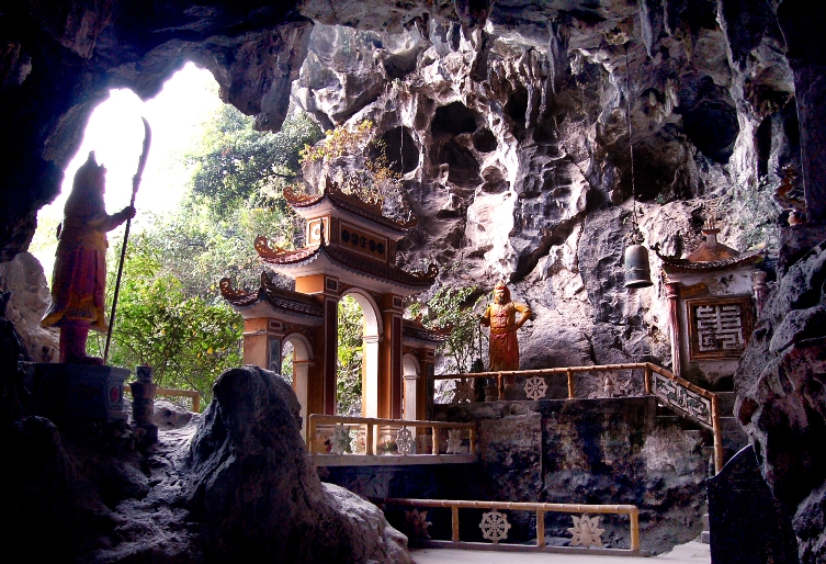 Dich Long Cave Ninh Binh