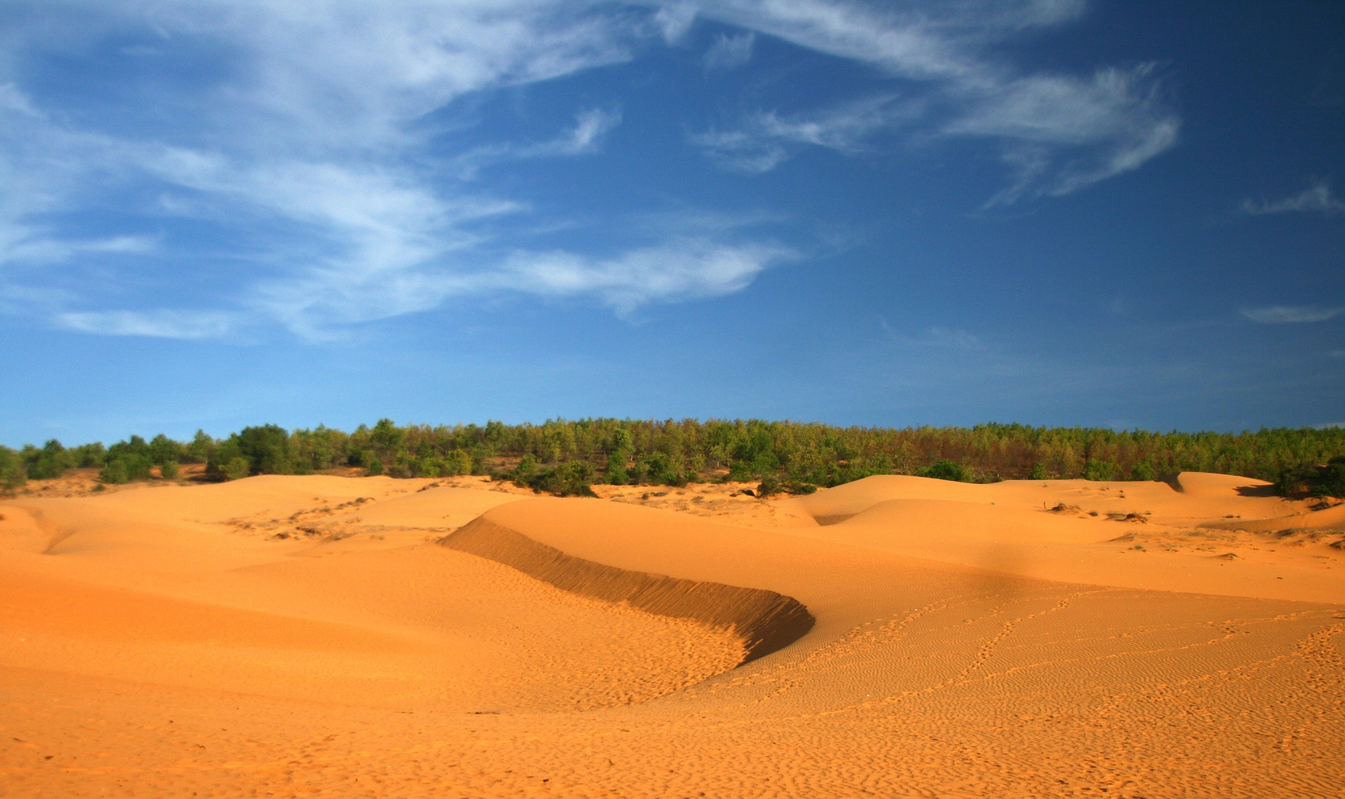red-sand-hill-mui-ne