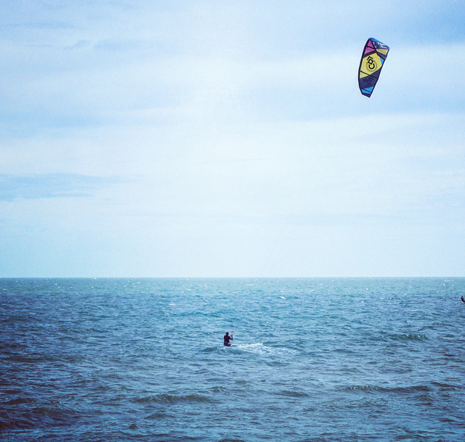 kite-surfing-mui-ne