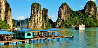 floating-market-halong-bay