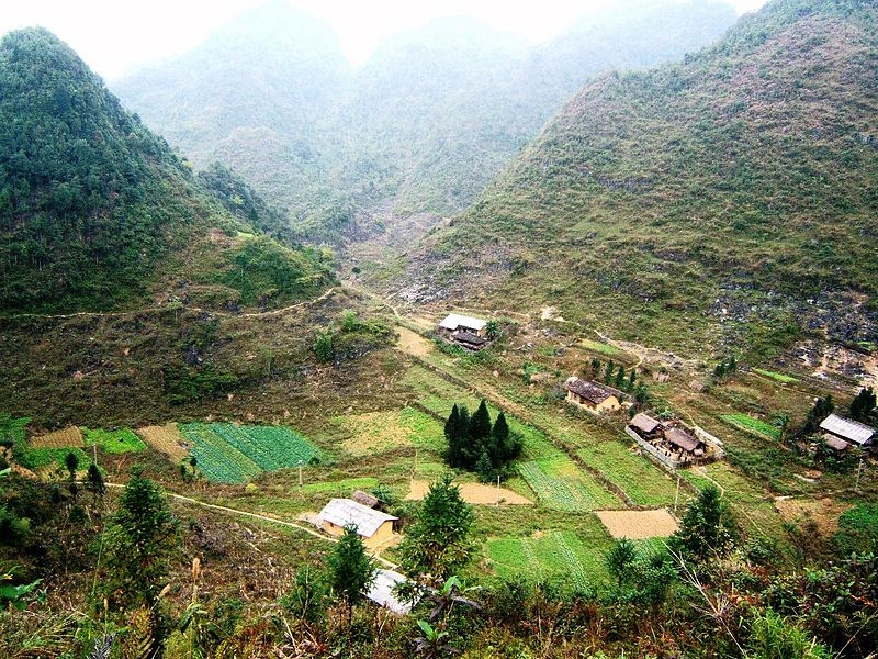 where to stay in ha giang