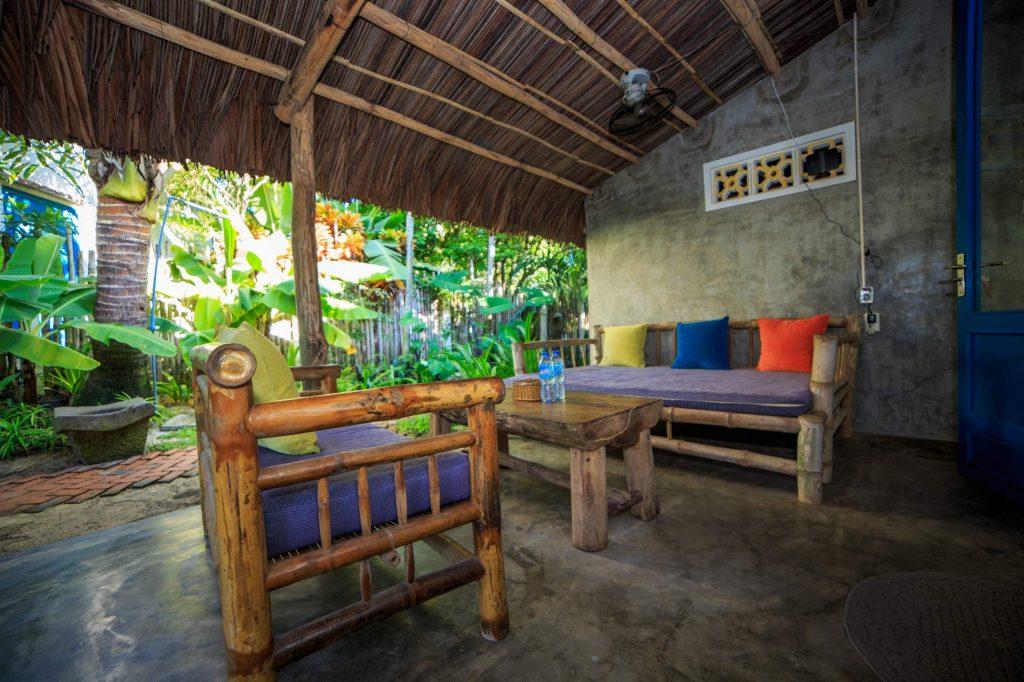 Beach-front-room-Hideaway-garden