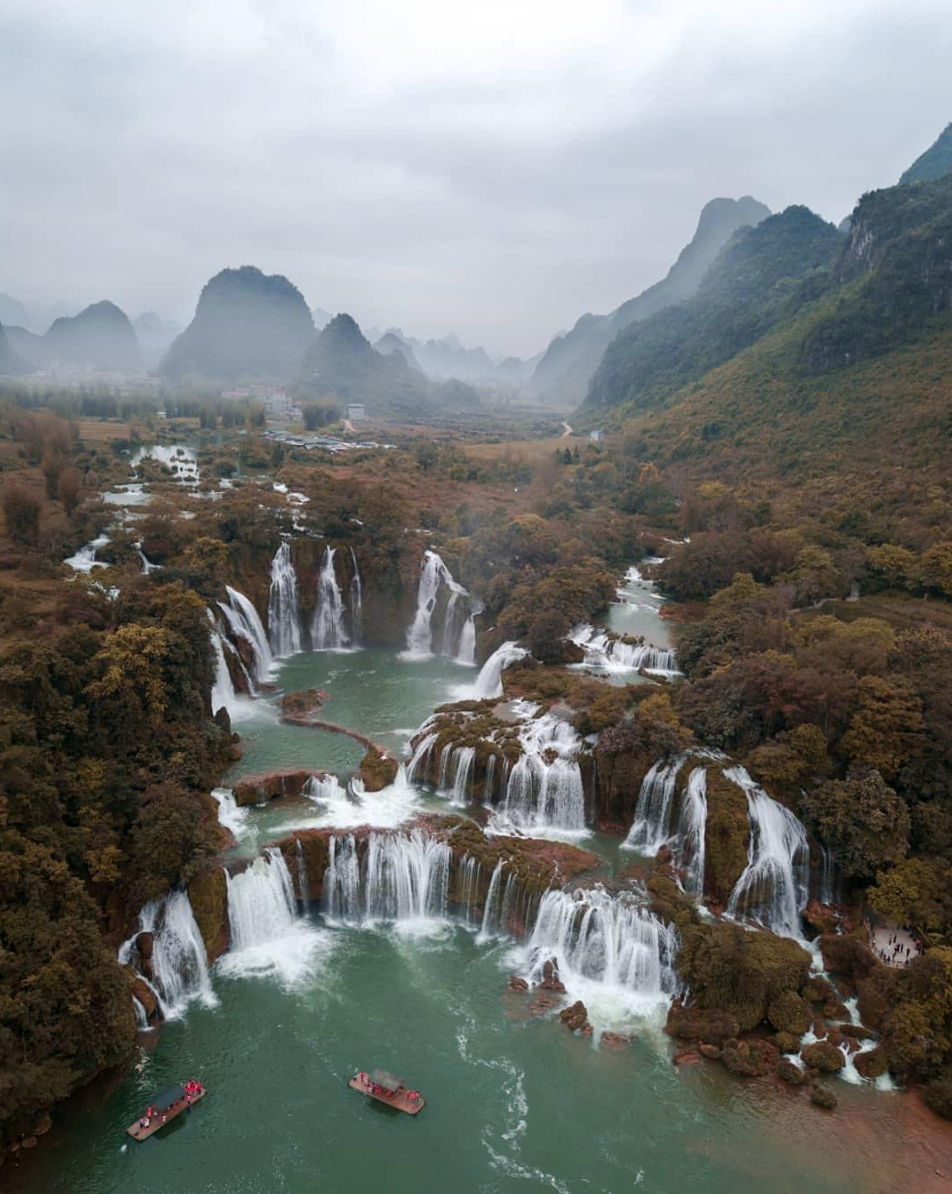 ban gioc waterfall vietnam china detian