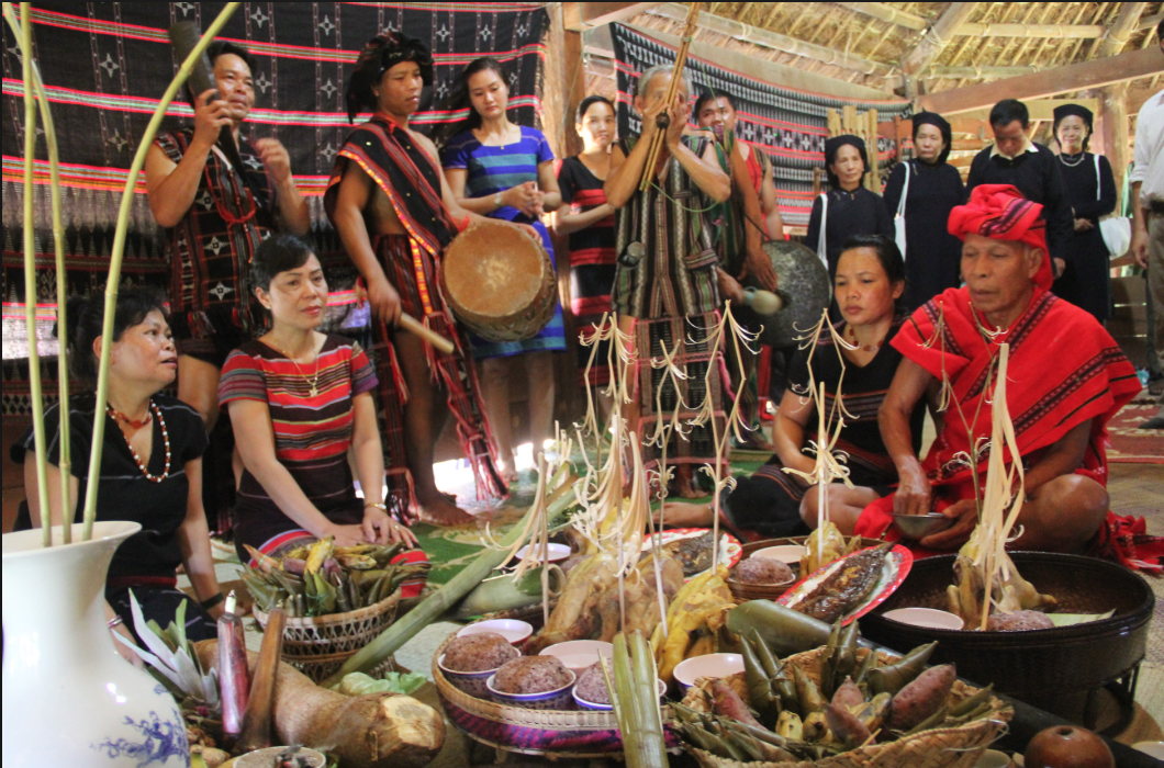 festivals and traditions of the central highlands vietnam