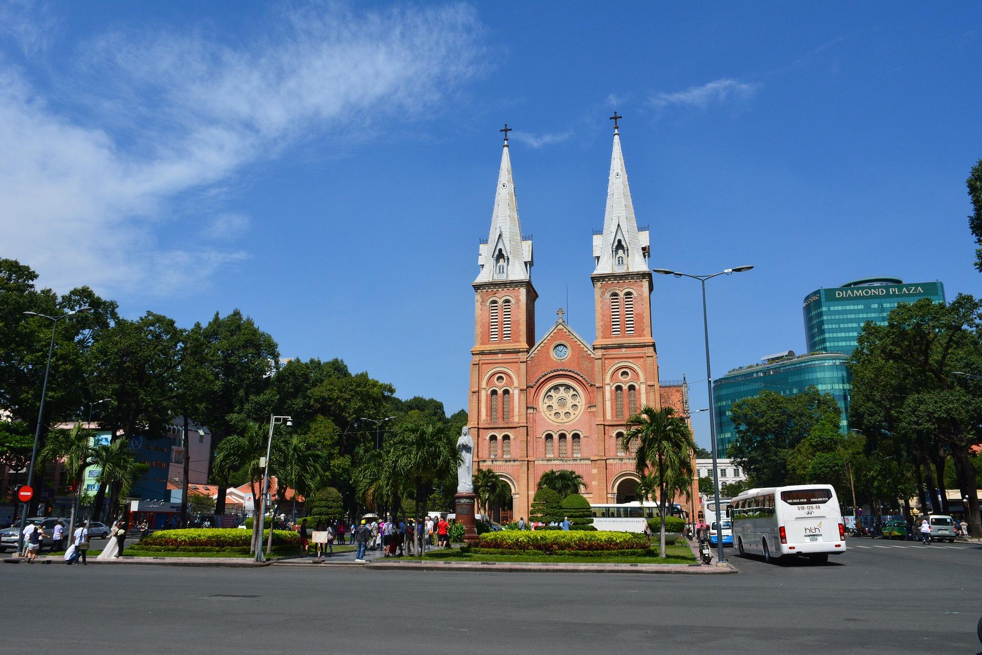 7 days in vietnam where to go