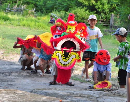 children-lion-dance