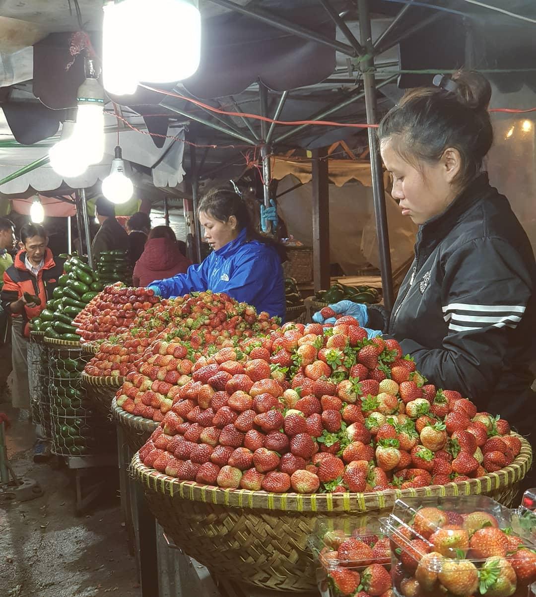 night-market-dalat
