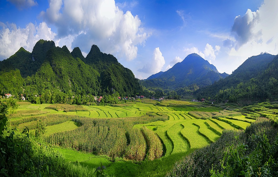 travelling to north vietnam