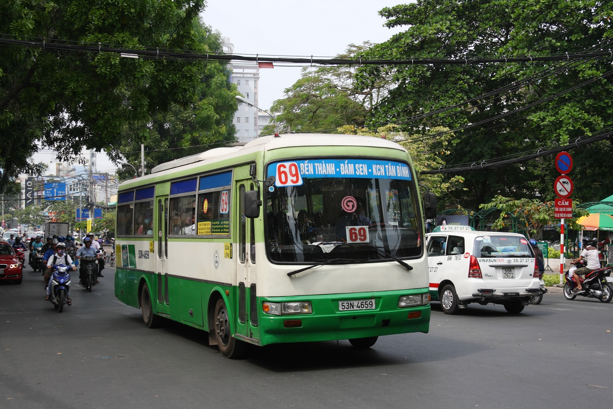 Saigon_bus_13