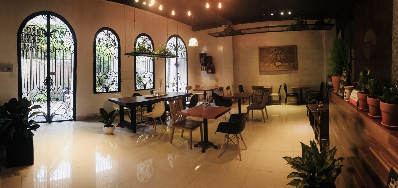 digital nomads in ho chi minh city co-working spaces