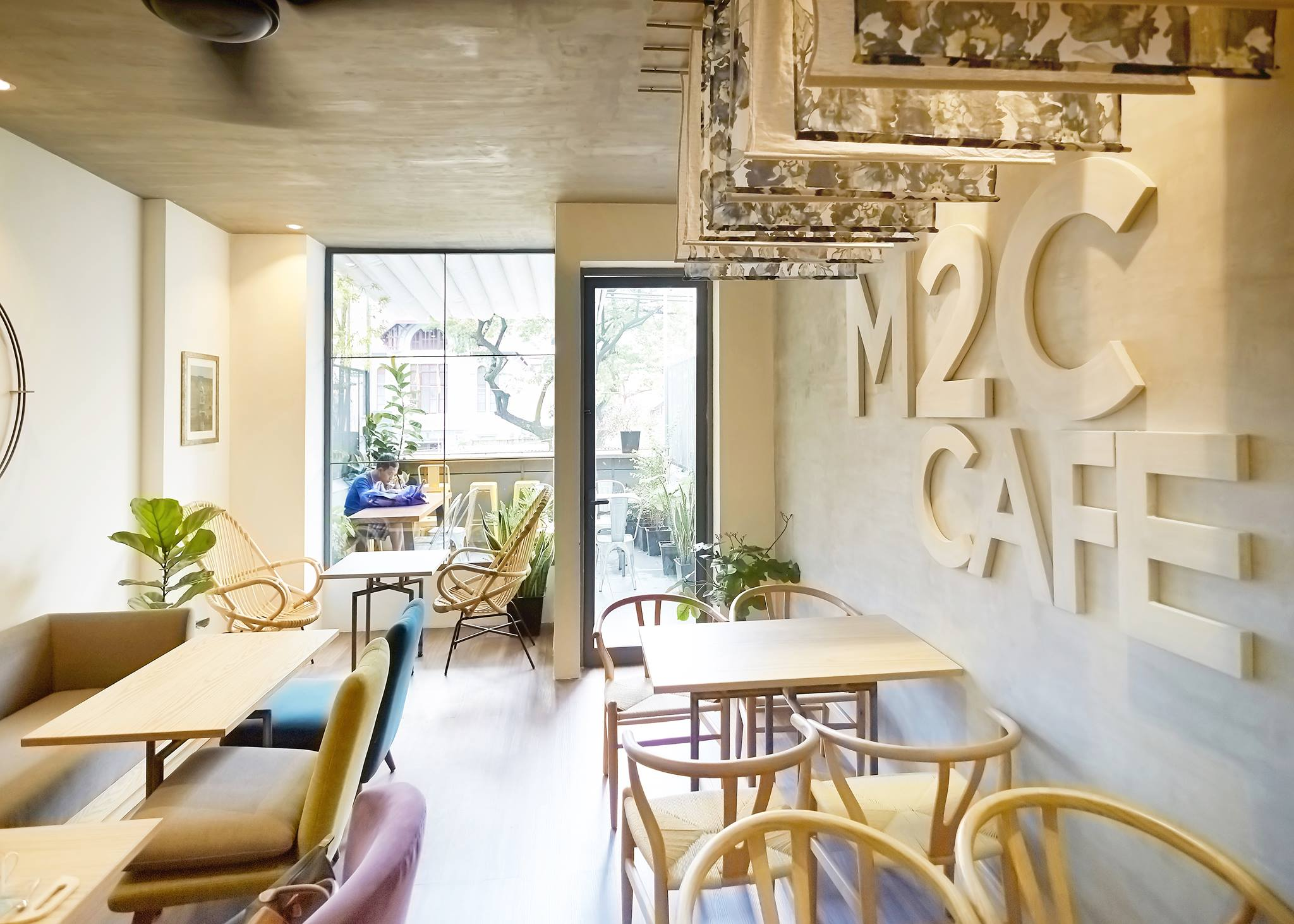 m2c cafe
