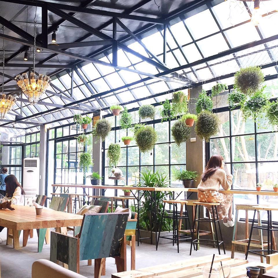beautiful cafes in hanoi work cafes