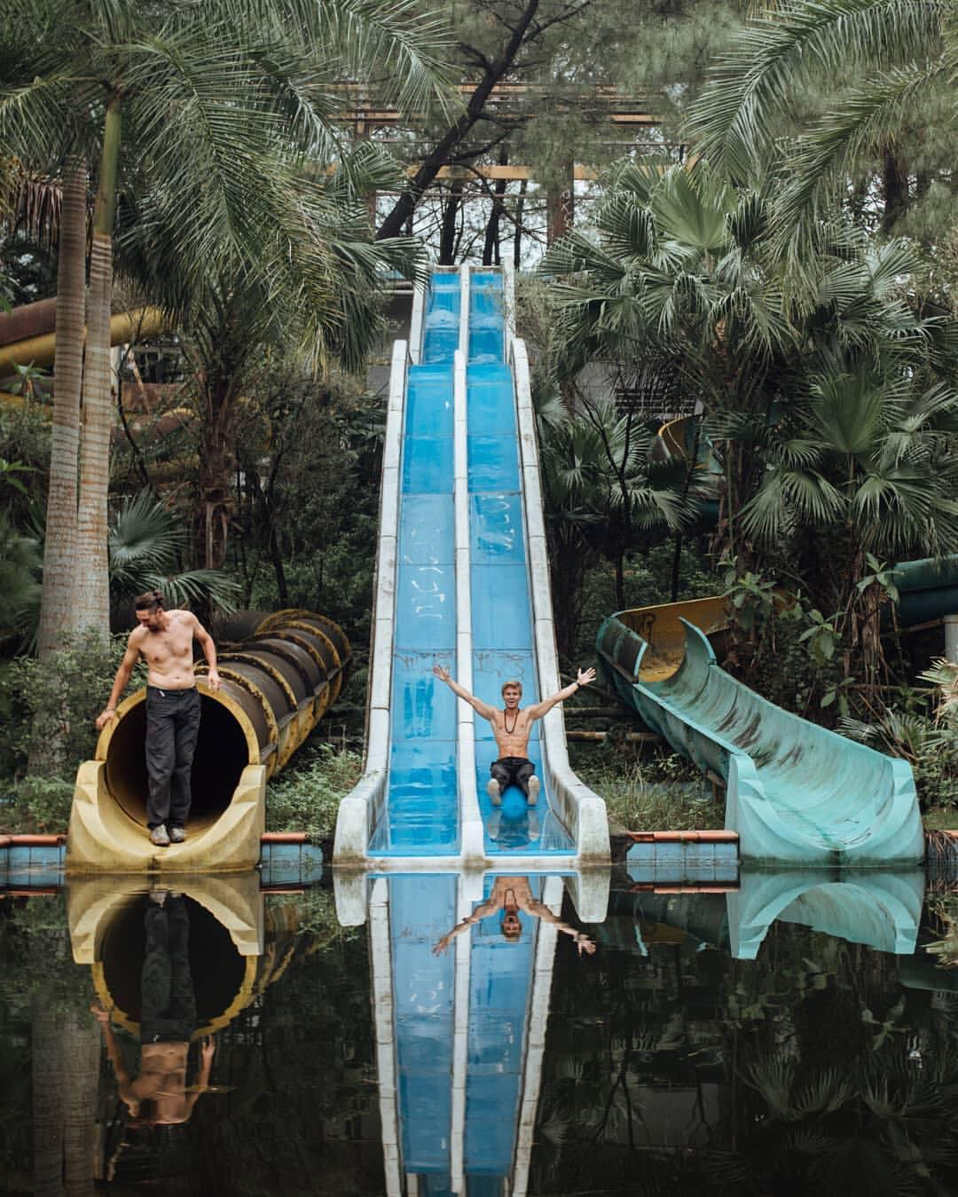 ho thuy tien water park hue guide