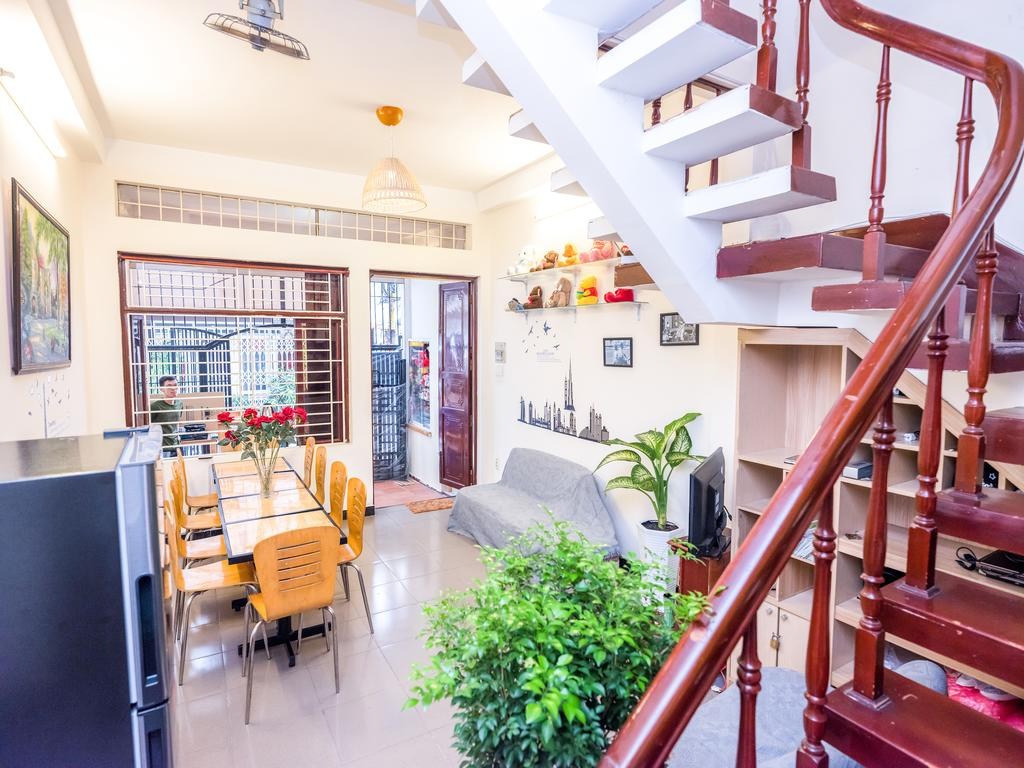 cheap hotels in ho chi minh city district 1 happy saigon hostel