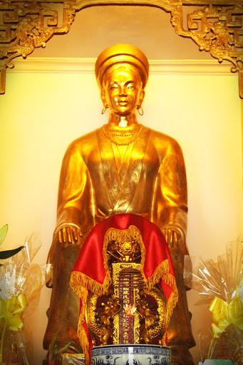 princess-huyen-tran-female-icon-vietnam