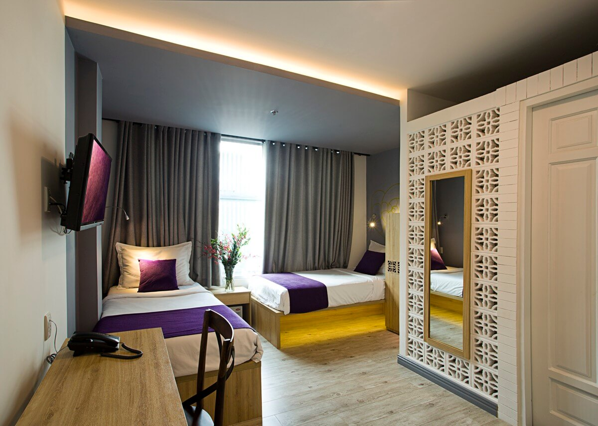 hcmc district 1 hotels hostels