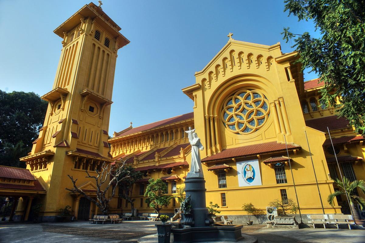 churches in hanoi
