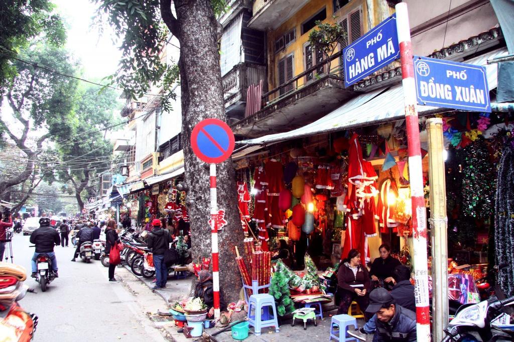 hang ma street hanoi