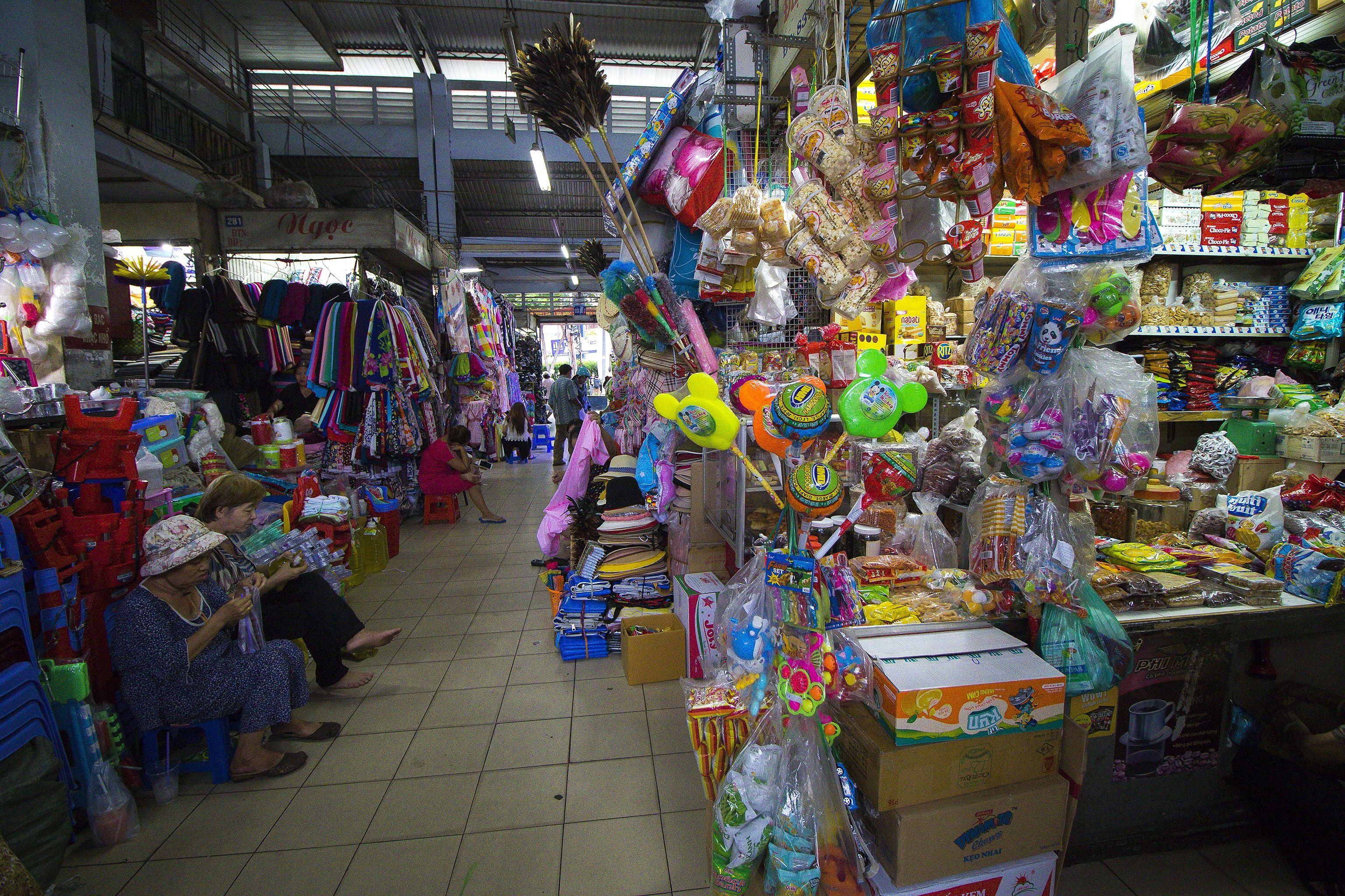 thai-binh-market-saigon