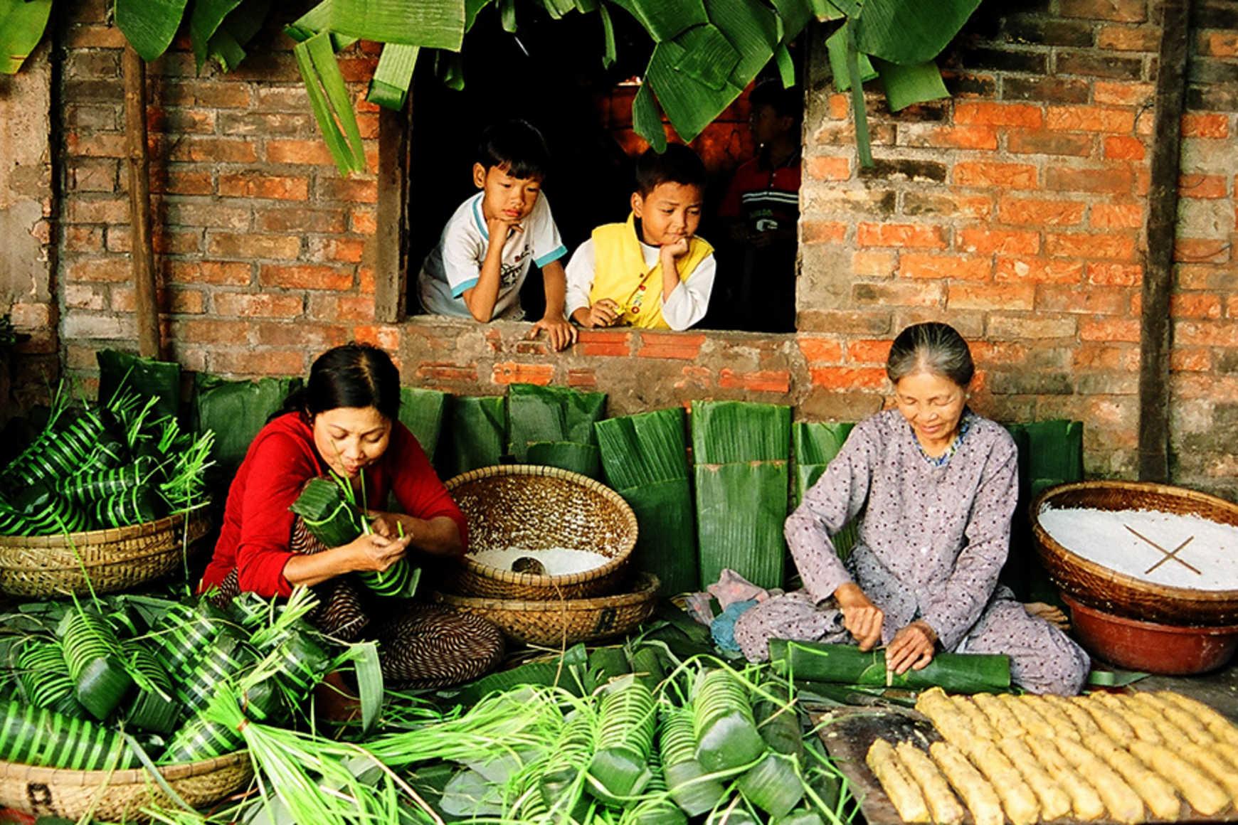 making banh tet chuoi