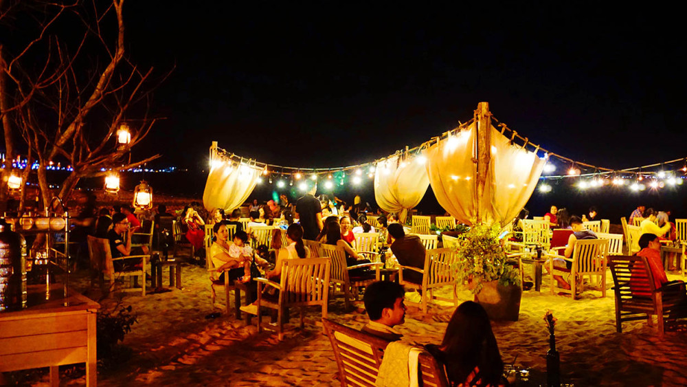 what to eat in quy nhon nightlife