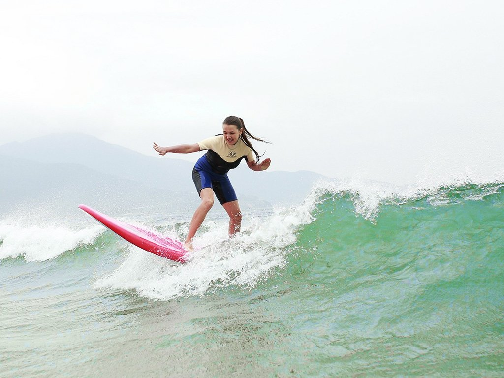 surfing in da nang