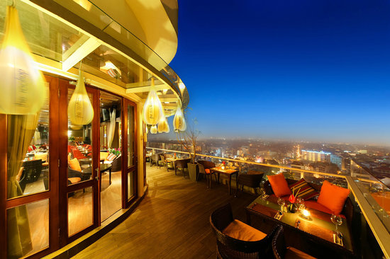 The-Rooftop-Bar